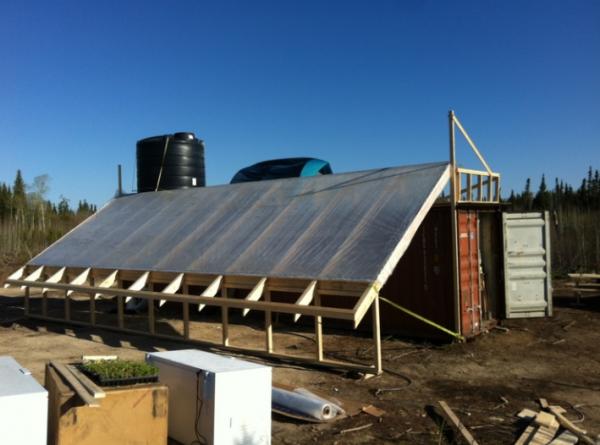 Garden Hill First Nation built a greenhouse